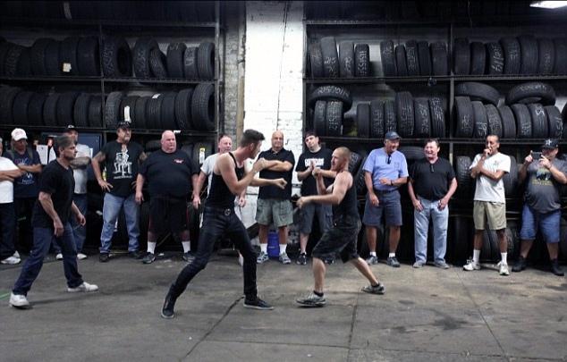 Боец с улицы против профессионального бойца