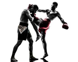 Чем опасно колено в схватке бойцов