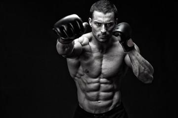 Как совмещать тренировки по единоборствам и фитнесу