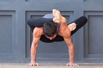 Как влияют занятия по йоге на мужчин