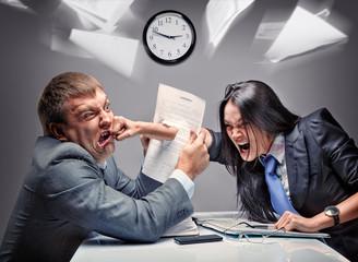 Что делать, если коллега на работе ведёт себя агрессивно