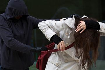 Как отразить атаку противника на улице