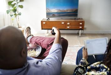 Как после 40 влияет просмотр телевизора на человека