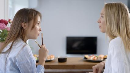 Можно ли добавить роллы в рацион при диете