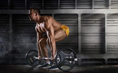 Самые эффективные базовые упражнения для начинающего атлета