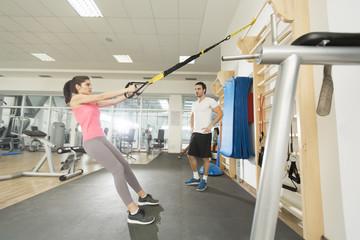 Упражнения со шведской стенкой укрепляемся не выходя из дома.