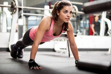 Комплекс упражнений, направленный на процесс жиросжигания