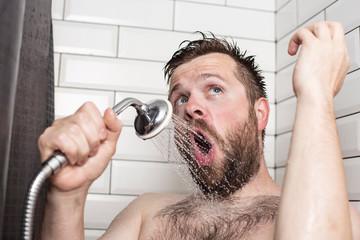 Почему горячий душ полезен не для всех мужчин