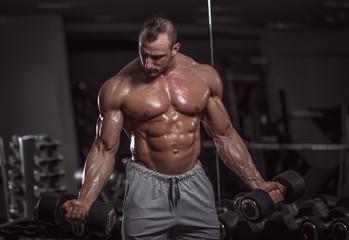 Преимущества бойца с объемной мускулатурой