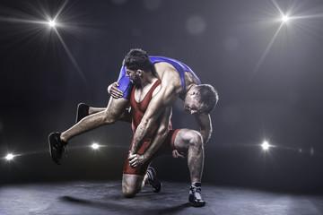 Упражнения, укрепляющие спину и шею у подготовленных борцов