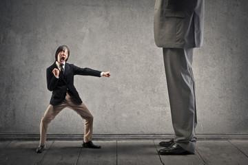 Чего нельзя допускать при уличном конфликте со здоровяком