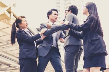 Как взаимодействовать с хамом