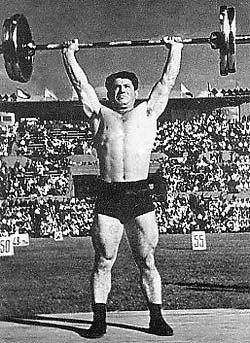 6 успешных атлетов-средневесов СССР, которые добились великих результатов