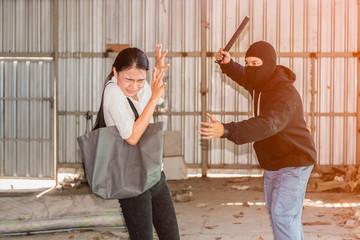 Какие действия стоит совершать, когда нападают не в одиночку