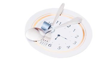 Можно ли принимать пищу после 18 часов