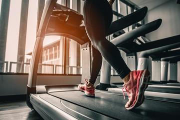 Надо ли вообще тренировать ноги и как лучше это делать