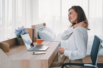 Какие действия предпринять при болях в шее