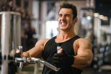 Как происходит наращивание мышечной массы в процессе силовой тренировки