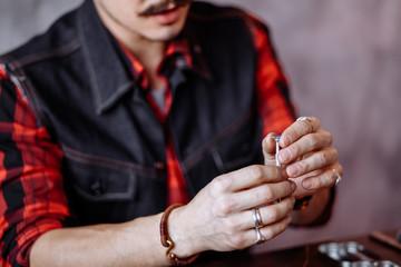 Отчего удар с кольцом или печаткой может быть опасен