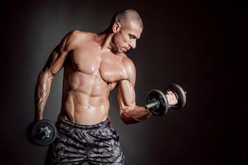 Что будет, если много тренироваться, но не добирать калории в питании