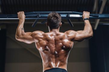 Общие рекомендации и факты, как сделать свои плечи и спину широкими