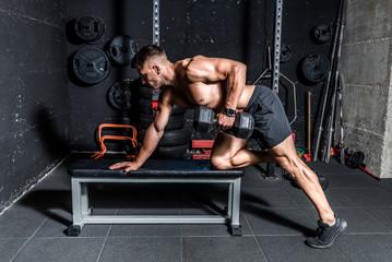 Почему не все мышцы качаются одинаково бытро