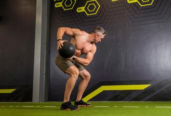 Эффективные тренировки с медболом
