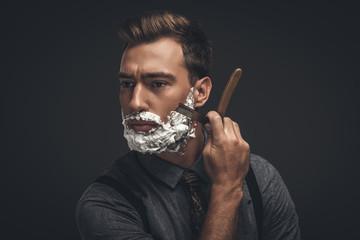 Основные правила бритья бороды, чтобы не вызывать дискомфорта