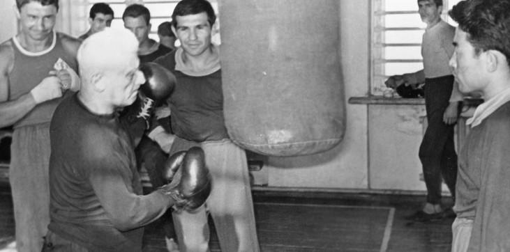 В каком режиме тренировались советские боксеры