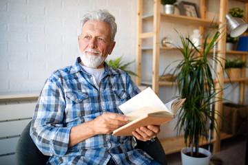 Какие привычки могут доставить немало проблем после 50 лет
