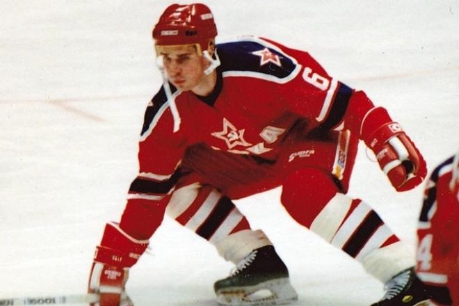 Противостояние на льду Алексея Касатонова против хоккеистов НХЛ