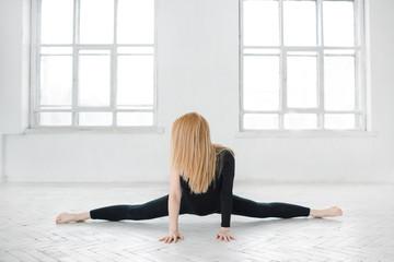 Упражнения, которые помогут сесть на шпагат