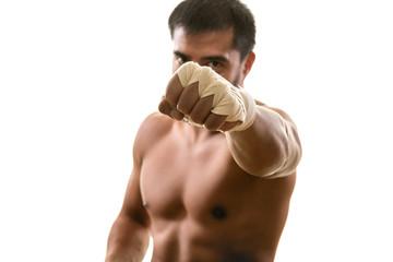 Что надо знать высоким бойцам, чтобы обучиться мощному прямому удару