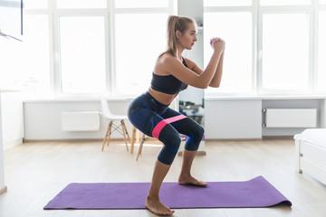 Каким образом можно укрепить мышцы ног дома