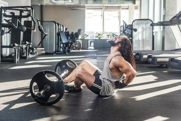 Основные причины боли в спине во время выполнения становой тяги