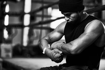 Почему профессиональные боксеры не имеют право применять силу за пределами ринга