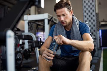 Роль потребления воды во время физических нагрузок