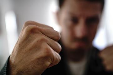 Законы, которые подразумевают невозможность избежать силового столкновения