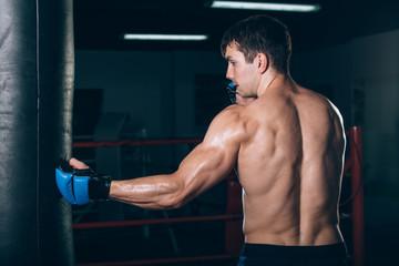 Какие группы мышц задействованы в мощнейшем ударе