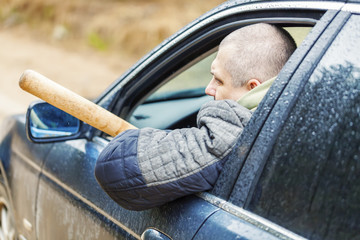 Как вести себя при столкновении с агрессией на дороге