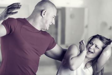 Как действовать, если напали со спины