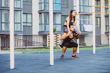 Комплекс упражнений для утренней зарядки, который подойдет для всей семьи