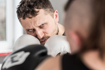 Кто победит в схватке - уличный боец любитель или профессионал