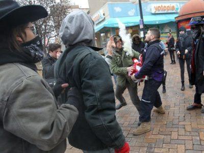 Что делать, если напали толпой на улице