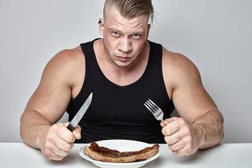 Под силу ли обычному человеку съесть столько, сколько съедает обычный бодибилдер