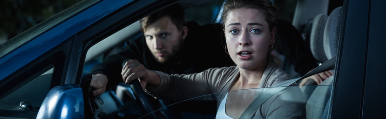 Что делать, когда напали в автомобиле