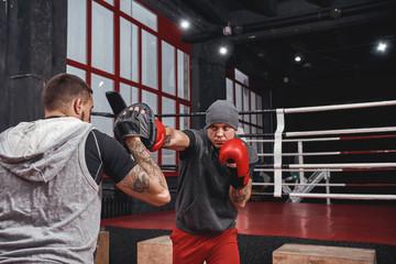 Этот удар является основным для каждого боксера