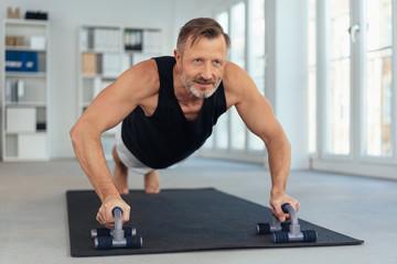 Какая норма отжиманий для мужчин после 40