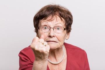 Как может защититься пожилой человек