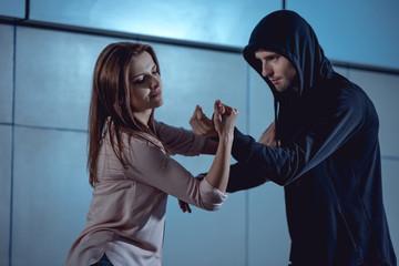 Что делать, если драки не избежать, а ты не спортсмен